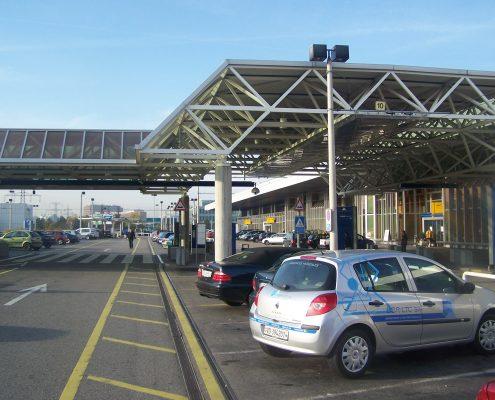 Entrée_de_l'aéroport_de_Genève AAZ TAXI ANNECY